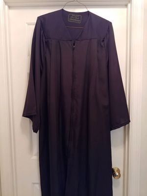 "Graduation: Oak Hall Black Graduation Gown 5'9"" to 5'11"" for Sale in Fort Pierce, FL"
