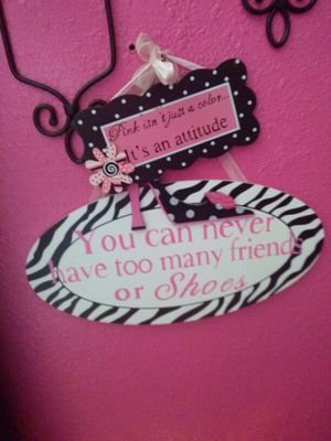 Hot Pink/Brown Decorations for Sale in Port Richey, FL
