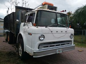 84 dump truck with barn doors.3208 cat motor with a allson transmission for Sale in Lake Wales, FL