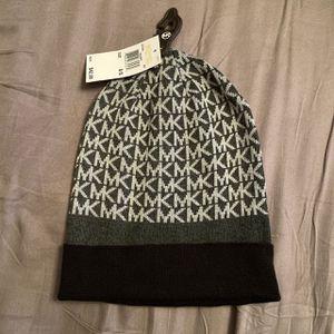 MWT Michael Kors beanie hat for Sale in Burnsville, MN