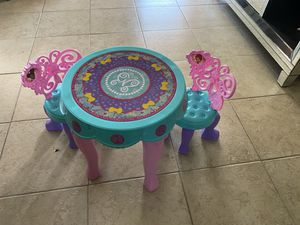 Fancy Nancy playful table for girl for Sale in Knightdale, NC