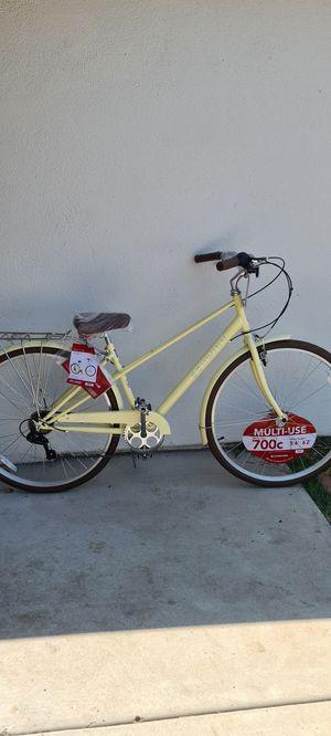 New Schwinn 700c Admiral Hybrid Bike , White for Sale in El Cajon, CA
