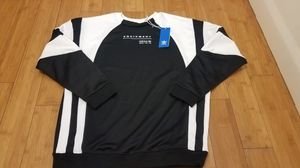 Adidas crewneck sweater size M for Men for Sale in Paramount, CA
