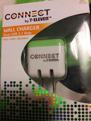 Connect wall charger duel usb 3.1 amp for Sale in Tacoma, WA