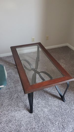 Good Glass Table for Sale in Bloomington, IL