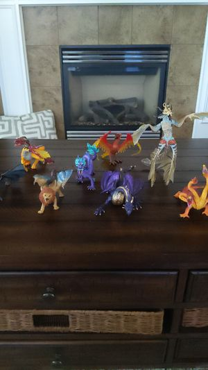8 dragon toys for Sale in Tacoma, WA