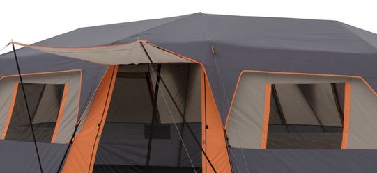 Ozark Trail 12 Person Inatant Cabin Tent Camping for Sale in Pasadena,  CA