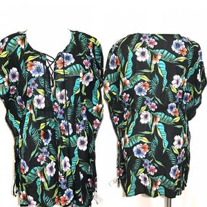Old Navy Womens Sz M Blouse Top Shirt Multicolors Floral Flutter Sleeve. for Sale in Ocean Springs, MS