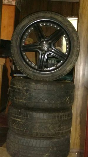 18 inch Lorenzo wheels for Sale in Knoxville, TN