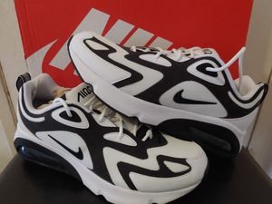 Nike mens shoes size 10.5 for Sale in Long Beach, CA