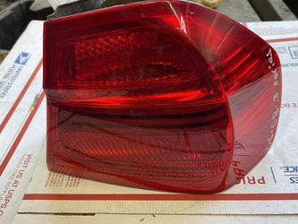 2006-2008 BMW 3 Series 335i Tail Light Passenger Side Oem W-4891 for Sale in Los Angeles,  CA
