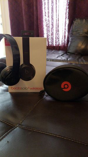 Beats solo 3 wireless for Sale in Austin, TX