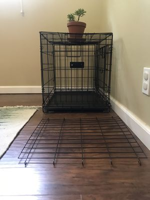 Dog Crate with Divider for Sale in Knoxville, TN