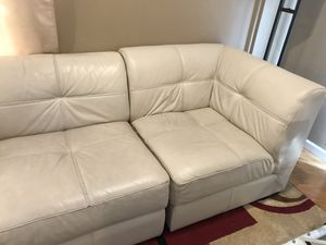 3 piece couch for Sale in North Bergen, NJ