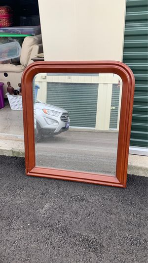 mirror for dresser for Sale in Spring Hill, TN