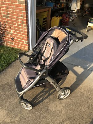 Chicco stroller for Sale in Raeford, NC
