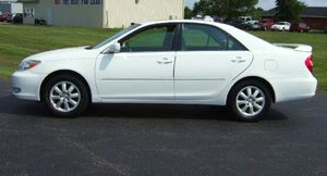 2004 Toyota Camry XLE package 2.2L FWD, Abs for Sale in Aurora, IL