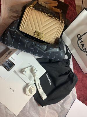 Chanel chevron beige caviar medium boy bag for Sale in Ronkonkoma, NY