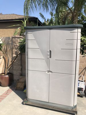 Rubbermaid storage shed on wheels for Sale in Irwindale, CA