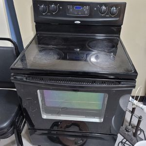 Whirlpool Glass Top Stove for Sale in Carlisle, PA