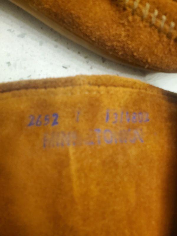Minnetonka 3 layer fringe original boots. Girls size 1