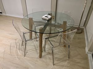 Round Dining Table with Acrylic Chairs for Sale in San Francisco, CA