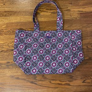 Vera Bradley Tote Bag for Sale in Cleveland, OH
