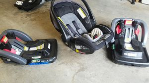 GRACO Snugride Snuglock 35 car seat and bases for Sale in Bothell, WA