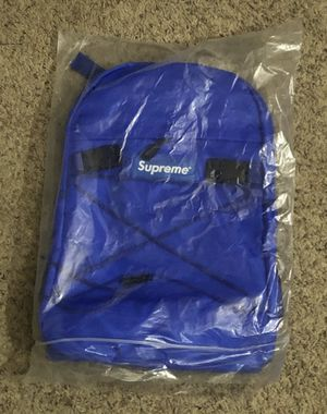 """Supreme Backpack. Size 16X12X4"""" for Sale in Long Beach, CA"""