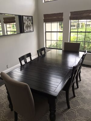 Pottery Barn dining table and chairs for Sale in Boynton Beach, FL