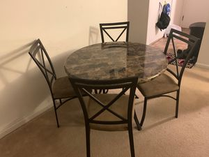 5 piece Dining Table for Sale in Lisle, IL