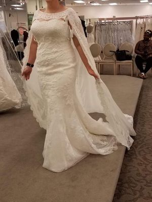 Beautiful brand new wedding dress for Sale in Greensburg, PA