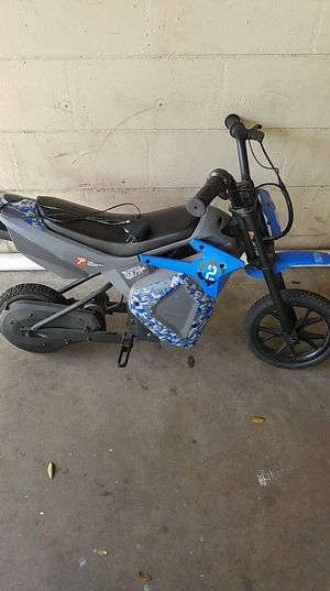 Small motor bike charge and ride.. for Sale in Orlando, FL