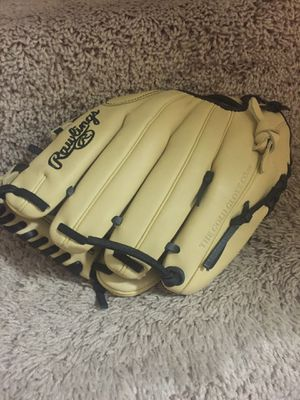 Rawling baseball glove for Sale in Wheaton, MD