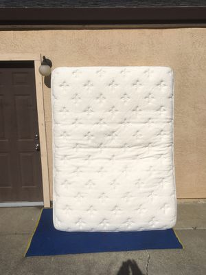 Queen bed and frame for Sale in Sacramento, CA