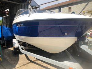 2006 Bayliner 21 foo Bimini top Tonto cover GPS anchor In-line galvanized tandem axle trailerin line bumpers ready to go in the water many extras for Sale in Grosse Pointe Park, MI