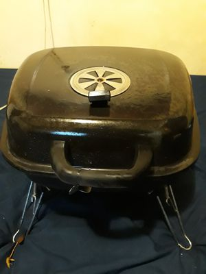 Nice Bbq Grill, Almost New. for Sale in Renton, WA