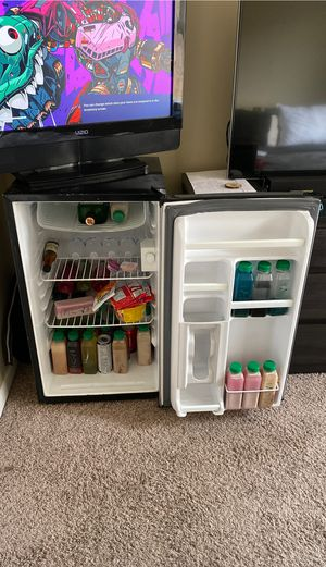 Mini fridge refrigerator for Sale in Miramar, FL