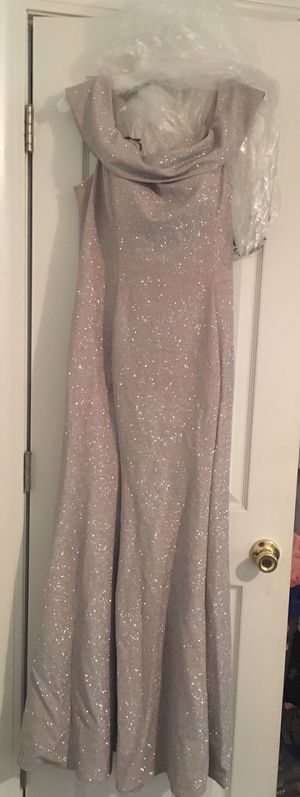 Beautiful David's bridal dress size 18 for Sale in Greenville, NC