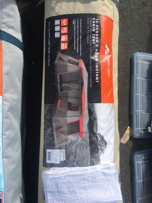 12 person 3 bedroom cabinet tent for Sale in Richmond, CA