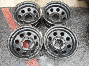 15x8 black steel wheels. 5 on 5.5 lugs, Dodge, Ford, Jeep, more for Sale in Montebello, CA
