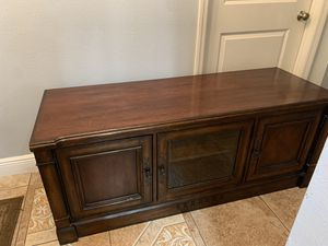 TV STAND REAL WOOD for Sale in Kissimmee, FL