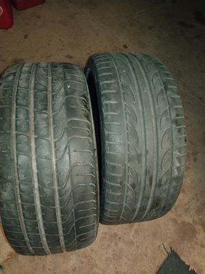 2 Tires 235-35-19 for Sale in Brawley, CA