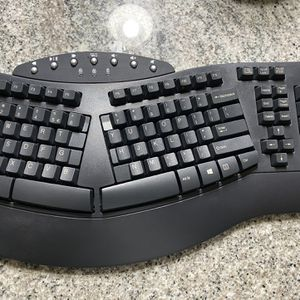 Perixx Wireless Ergonomic Keyboard for Sale in Bellevue, WA