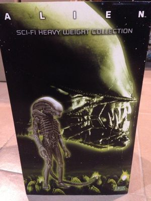 Alien Heavy Weight Collection Statue for Sale in Delair, NJ