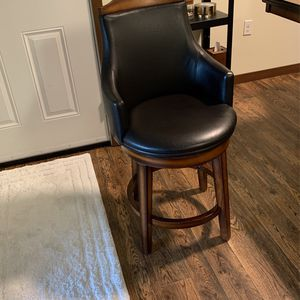 2 Bar Stool for Sale in Bothell, WA