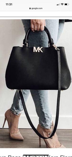 Michael Kors MD satchel Black leather for Sale in Hemet, CA