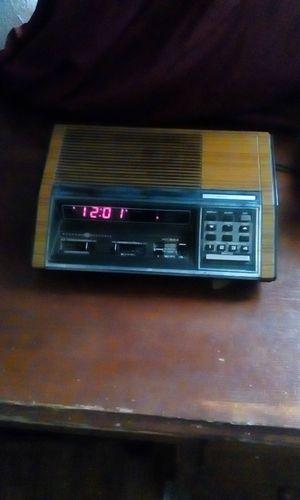 Vintage GE Programmable clock radio for Sale in US