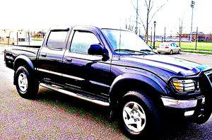 ֆ14OO 4WD Toyota Tacoma 4WD for Sale in Burlington, VT