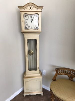 Beautiful grandmother antique clock colonial of zeeland for Sale in Riverview, FL